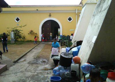 donacin_de_agua_pura_ciudad_vieja_antigua_guatemala_20111124_1079380845