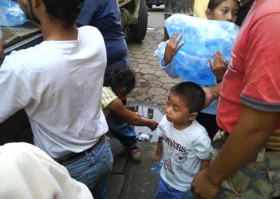 donacin_de_agua_pura_ciudad_vieja_antigua_guatemala_20111124_1153010819