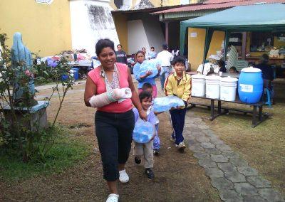 donacin_de_agua_pura_ciudad_vieja_antigua_guatemala_20111124_1297970597