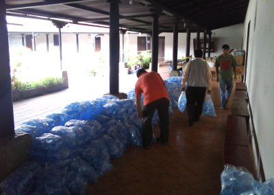donacin_de_agua_pura_ciudad_vieja_antigua_guatemala_20111124_1419448770